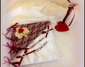 Guest book and its pens with embroidery