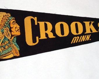 1950s era Souvenir Crookston Minnesota Felt Pennant — Free Shipping!