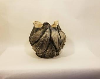 Writhing Vase