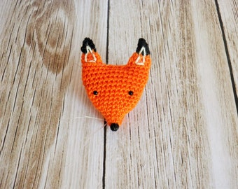 Fox brooch hook very very fine, little Fox, my creation, jewelry amigurumi.