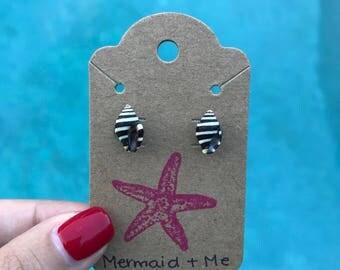 Black and White Sea Shell Earrings