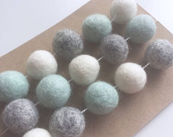 Felt Ball Garland, Mint & Grey Nursery, Mint Grey Decor, Felt Balls, Nursery Decor, Home Decor, Babies nursery decoration, Neutral Nursery