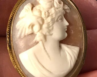 Antique carved Shell Cameo Pin