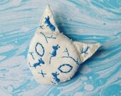 Cat vase silk fabric brooch in white and blue dupion silk handmade textile jewellery  kitten face pin badge mice embroidery