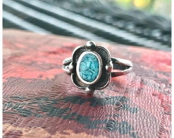 Vintage 1960's Sterling Sliver NAVAJO Midi Crushed Turquoise Stone Blue Teal Hippie Ring Size 5