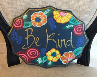 Be Kind wall decor