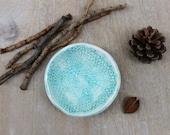 Ceramic ring dish, pottery ring dish, lace pottery, jewelry dish, turquoise lace dish, ring dish, handmade ceramics, gift, turquoise gift