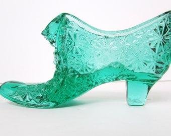 Vintage Fenton Emerald Green  Cat Head Daisy Button Glass Slipper Shoe Older