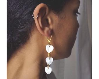Earrings, Pearl, gold chain hearts