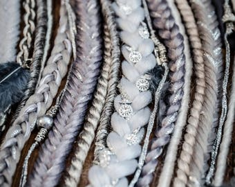Silver dreadfall, 16 pieces plus feathers, 26 inches