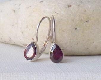 Sterling Silver Garnet Lever Back Earrings Vintage Garnet Teardrop Pierced 925 Earrings, Garnet Drop  Pierced Garnet, January Birthstone 925