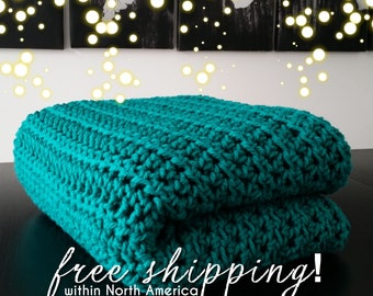 Emerald Green Crochet Blanket, Afghan, Chunky Crochet Throw Blanket, Modern Chunky Throw, Green Blanket