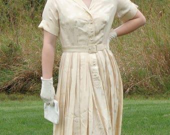 Beautiful Vintage 1950's Cream Dress Size Medium/Large 16, All Silk, Ying Tai Ltd. Hong Kong