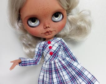 Checked dress with red details for pullip blythe azone momoko obitsu and similar dolls