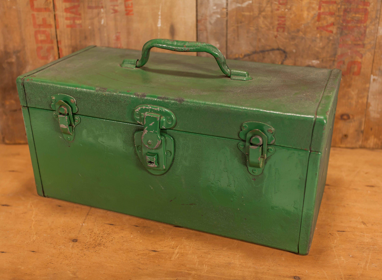 Man Cave Box : Vintage green metal tackle box fishing tool