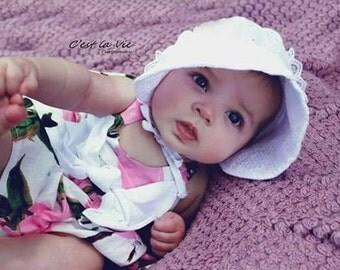 White bonnet, white baby bonnet, baby hat, newborn hat, white hat, baby hat, bonnet, eyelet bonnet, white bonnet, baby white sunhat