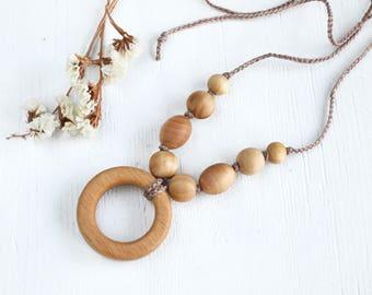 Natural Nursing necklace Teething ring Beaded mom necklace Teething baby necklace Baby shower gift Wood ring teething necklace Boho necklace