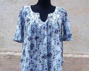 Blouse peasant, summer blouse, cotton blouse, loose blouse, white/blue blouse, Vintage Europe, S Small blouse, plated blouse, womens blouse