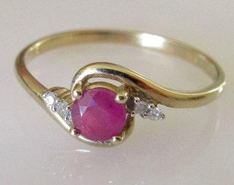 9ct Gold Ruby and Diamond Swirl Ring