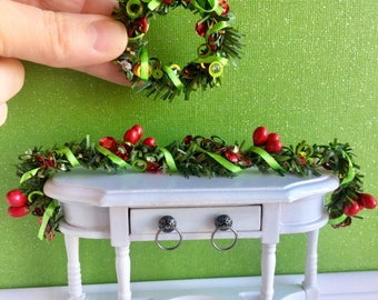 Miniature Christmas garland and wreath, dollhouse wreath, dollhouse garland