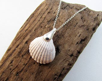 Sterling Silver Necklace with Seashell Pendant, Mermaid Pendant, Made of Natural Seashell and 925 Sterling Silver Chain