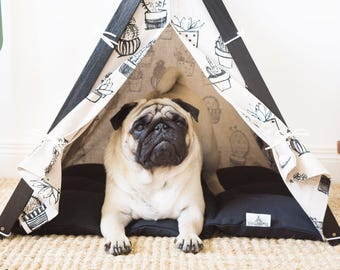 Cactus dog teepee tent with bed. Oh yes, FREE shipping!