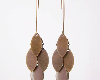 Earrings cluster shuttle taupe and bronze