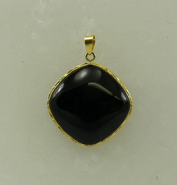 Onyx Black Pendant 14k Yellow Gold