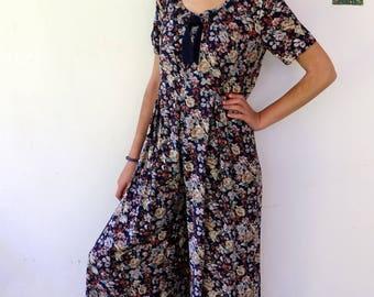 """Floral jumpsuit, vintage 80s 90s floral wide legged Jumpsuit, wide leg palazzo pant, festival boho hippie jumpsuit size m, model is 5'6"""""""