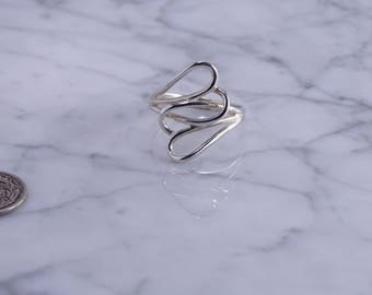 Open Wirework Intertwined Hearts Ring in Size 9