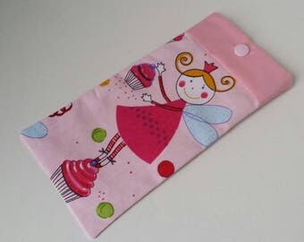 Customizable sunglass case with faux fabric and pink cupcakes.