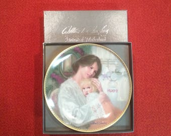 "Vintage Portraits Of Motherhood By William T. Chambers ""Mothers Here"" First Issue Authentic Registered Plate By Edwin M. Knowles"