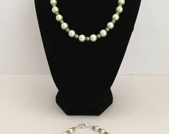 Green/Mint Green Pearl Necklace & Bracelet