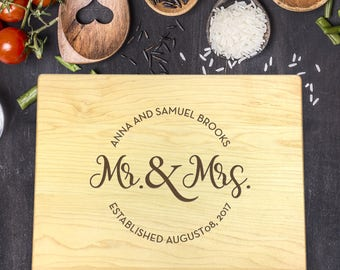Custom Cutting Board, Custom Cutting Board Wedding, Custom Cutting Board Wood, Wedding Gift, Housewarming Gift, Mr and Mrs, B-0066