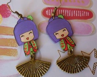 Earrings in antique bronze kawaii chibi purple red kokeshi doll girl hand-painted crazy plastic crazy fan