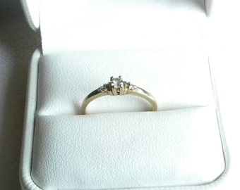 10 Kt Yellow Gold Friendship / Engagement ring size 7