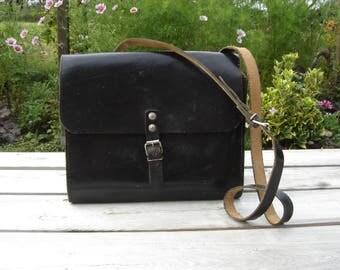 Sac cuir garde champêtre. Leather satchel. Leather bag. Vintage. Belgique