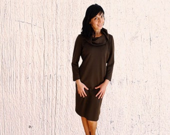 Cowl neck tunic dress Chocolate Brown jersey everyday long sleeved midi dress simple vintage 1970s Size US 10-12 Medium Large