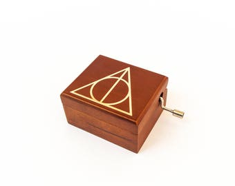 Harry Potter and the Deathly Hallows music box gift for fans