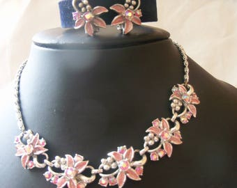 Delightful pink enamel with aurora borealis flower motif link necklace with matching earrings