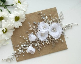 Flower wreath, flower crown Bridal hair vine, wedding tiara, diadem, pearl hair vine, bridesmaid gift, hair vine