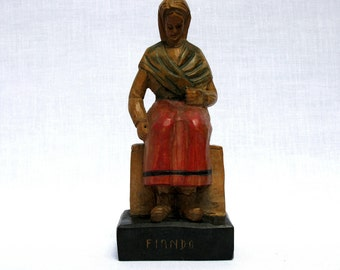 Spanish Hand Carved Wooden Figure / Mid Century / Statue / Peasant Lady / Woman / <<  Fiando >> / Spain  / Folk Arts / Collectible