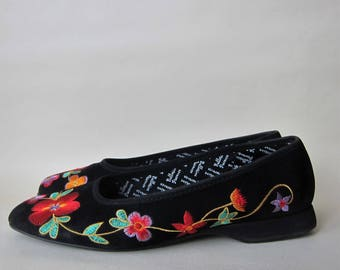 Ballerinas 1990 Embroidered flowers embroidery Vintage black 90 s Provence Made in France