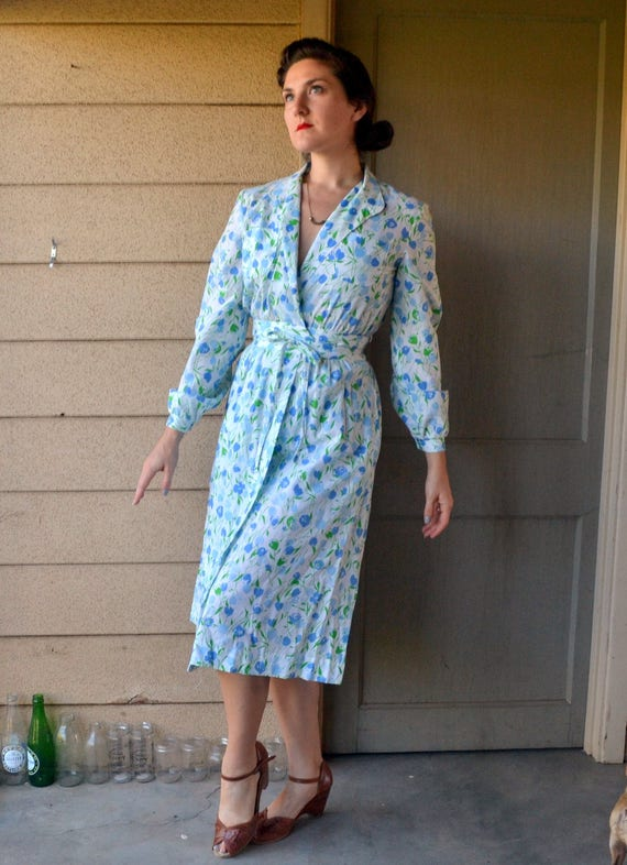 True Blue Tulip Dress | vintage 70s does 40s print wrap dress | small medium