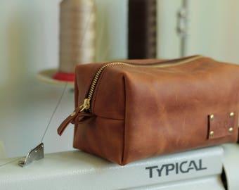 Leather Dopp Kit, Custom Groomsmen Gift, Groomsmen Gifts, Groomsmen gifts, Groom gift, Wedding gift, Personalized leather, Travel bag