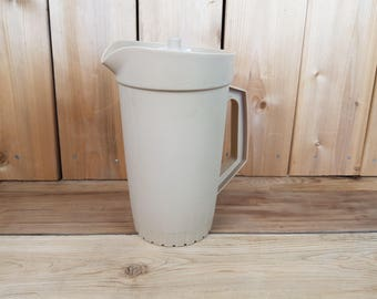 Vintage Large Sand Color Tupperware Pitcher 70s Juice or Water with Secure Lid Kitchenware Retro Gift Farmhouse Nostalgia Grandmother