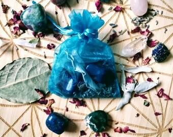 Spell Bag / Gris Gris Bag / Mojo Bag / Love Spell Bag / Spell Kit / Healing Crystal