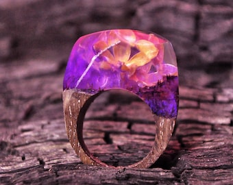 Lilac resin ring Pink botanical Secret 5th anniversary gift for her Women pressed flower jewelry Purple custom size 7 us Wenge wooden ring