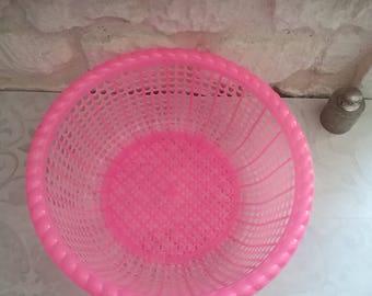 Basket pink vintage - large round basket, kitsch pink plastic object, 70s