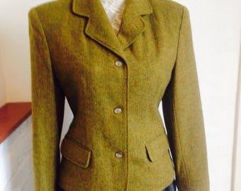 Vintage Tailored Riding Jacket/Women's wear/Tweed jacket/ladies wool jacket/Olive Green/Size UK 8/80's retro/padded shoulders/Made in Japan